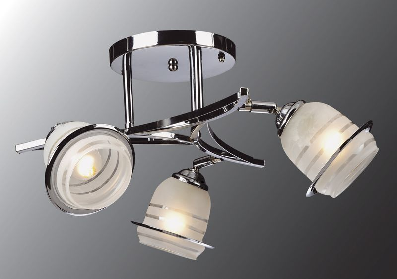 Люстра Универсал 1-9611-3-CR E27Люстры<br>Скидка 20%<br><br>Артикул: 1-9611-3-CR E27<br>Бренд: МАКСИСВЕТ<br>Вес (кг): 2,8<br>Коллекция светильников: Универсал<br>Длина светильника (мм): 350<br>Ширина светильника (мм): 350<br>Высота светильника (мм): 200<br>Цвет арматуры: CR (блестящий хром)<br>Тип цоколя светильника: E27<br>Количество ламп светильника: 3<br>Общая мощность освещения светильника (Вт): 120<br>Размер основания светильника: 170мм