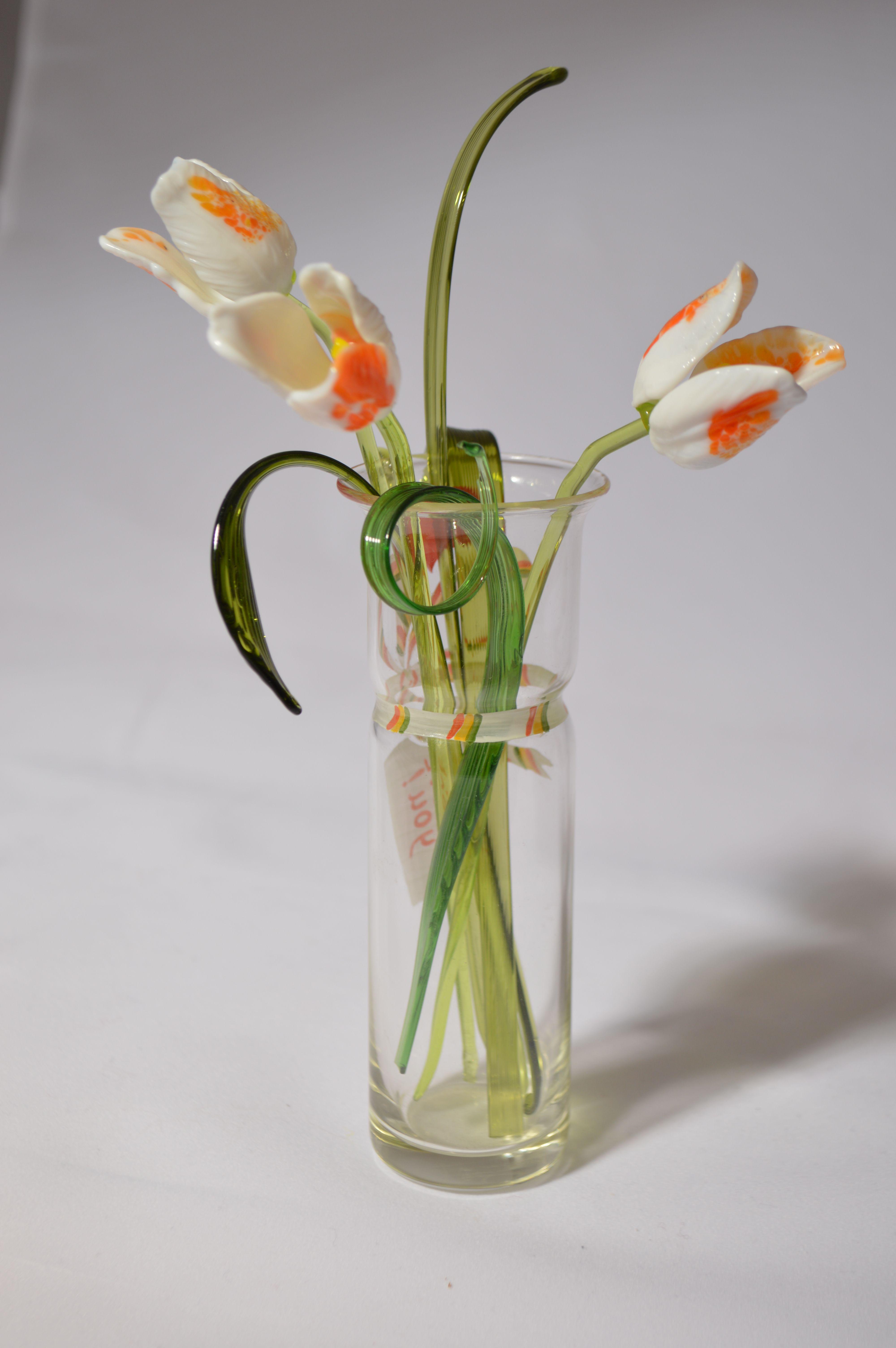 Букет 3 из трех тюльпанов в вазочке, цветное стекло от Ravta