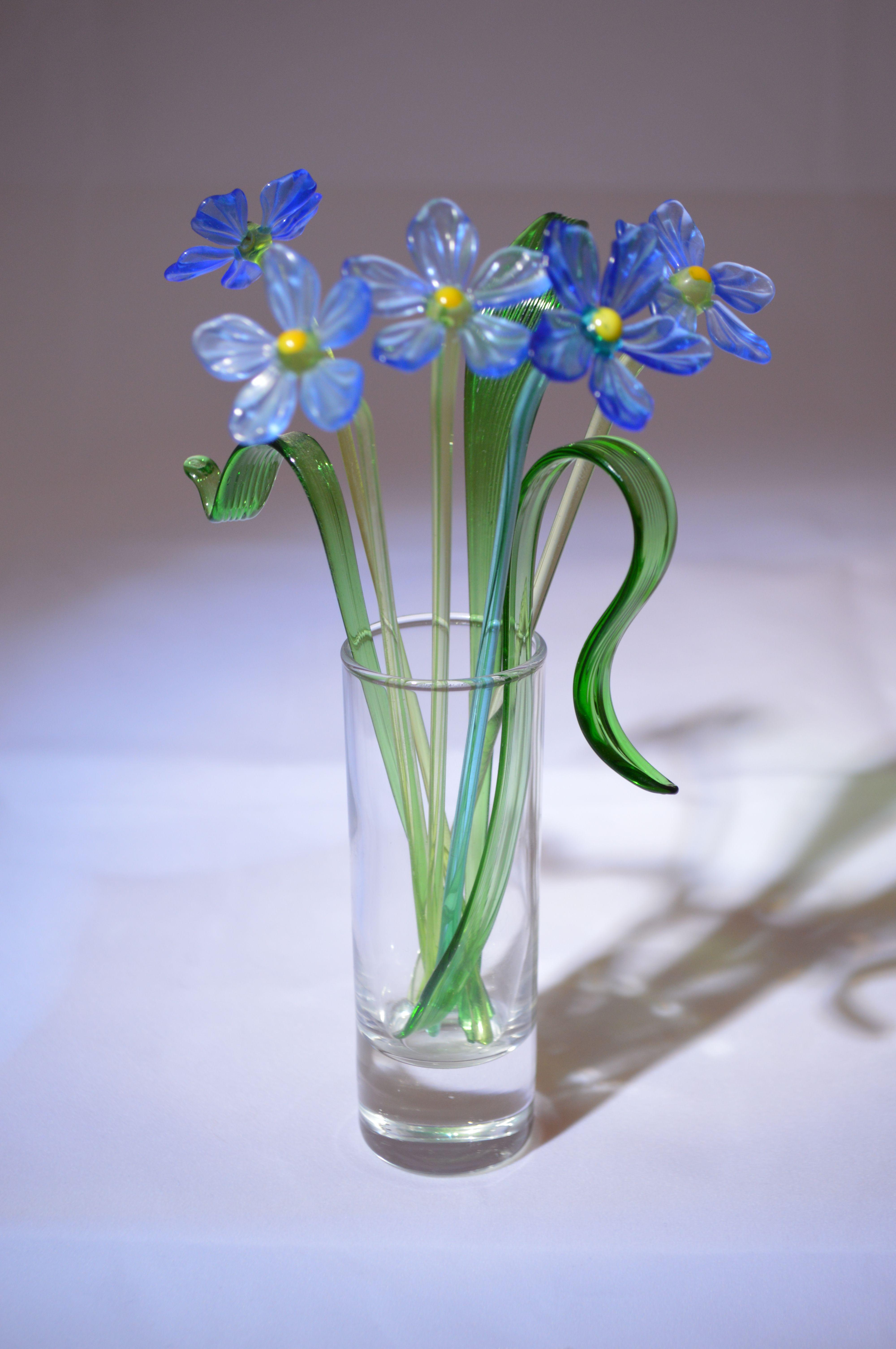 Букет из пяти синих цветков в вазочке, цветное стекло от Ravta